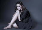 neha-dhupia-hot-wallpaper