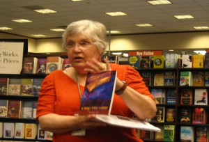 Barnes & Noble's Merchandise Manager Mary Corack introducing the poet and her book to the audience