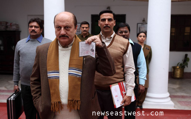 Akshay and Anupam Kher in the film