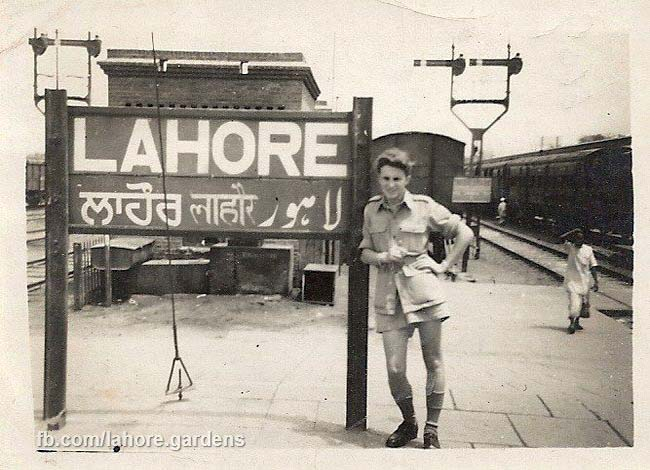 Punjabi and Hindi signboard at Lahore Railway Station just before Partition