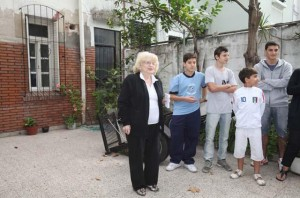 Damonte still lives in the home down the street from where Pope Francis grew up in Buenos Aires.  Photo courtesy Kika Press
