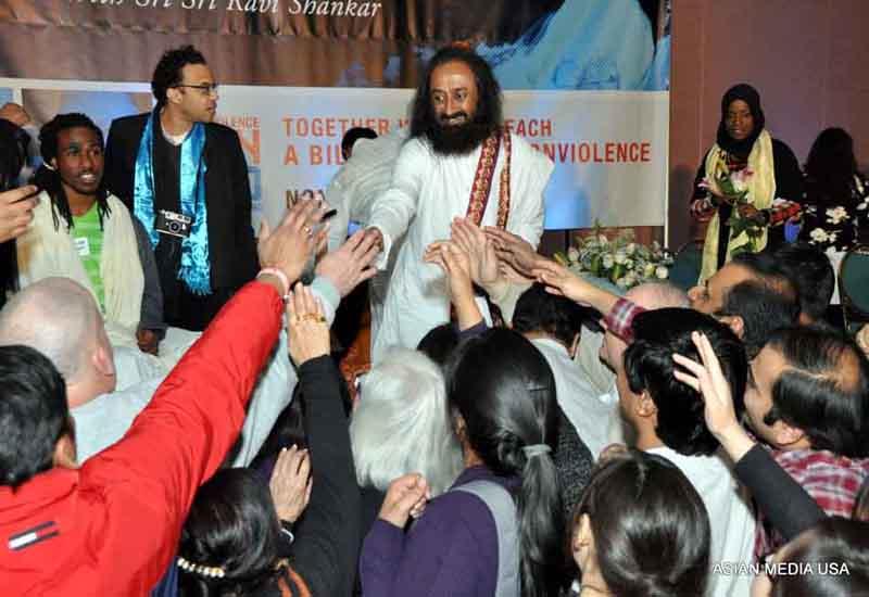 Sri Sri launches NonVio from Chicago