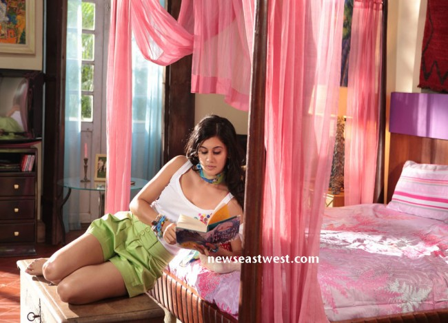 Taapsee in Chashme Baddoor (1) copy