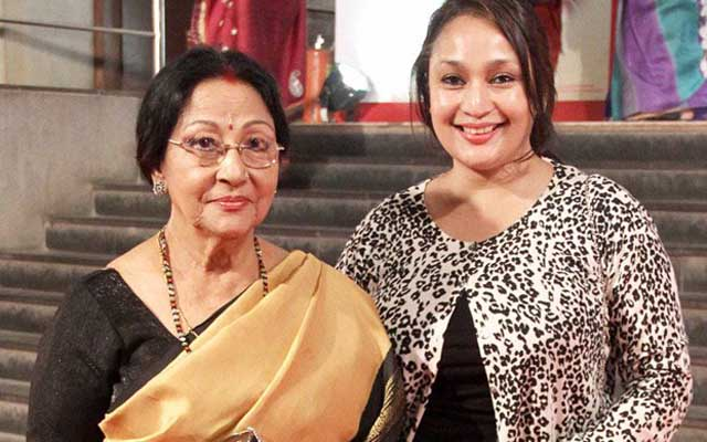 Mala Sinha with her daughter Pratibha