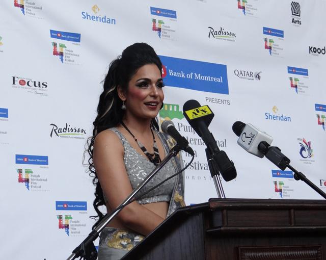 Meera addresses the gathering.