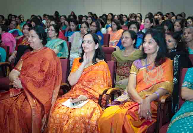 Mrs. Santosh Kumar, Mrs. Sushma Patel and Mrs. Shree Guruswamy (1)
