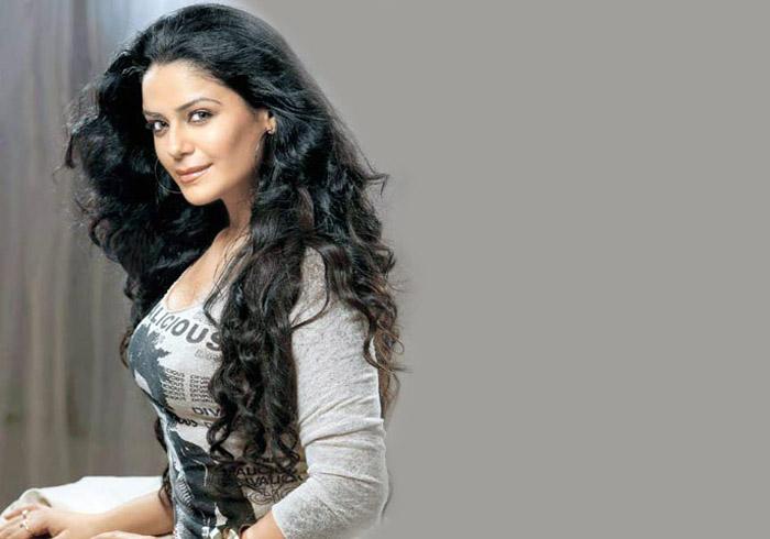 MMS scandal hits Mona Singh's love life