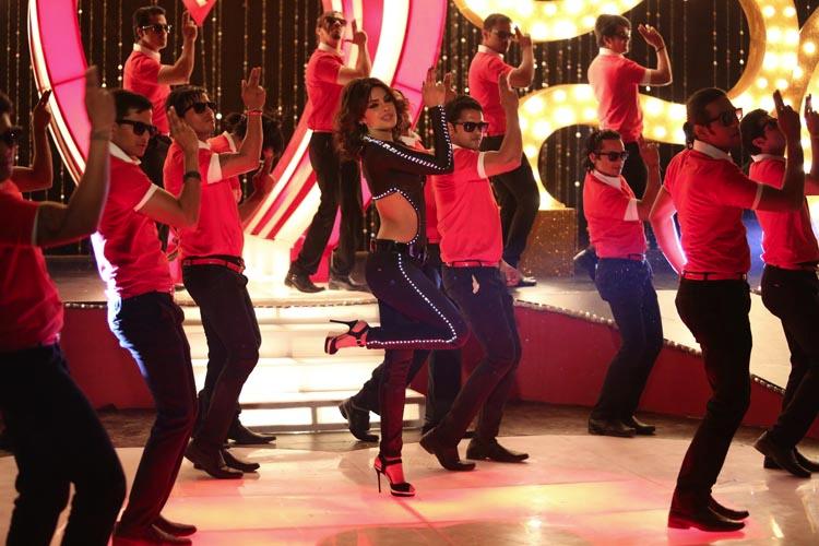 Priyanka singing her first item song Babli Badnam in the film Shootout At Wadala