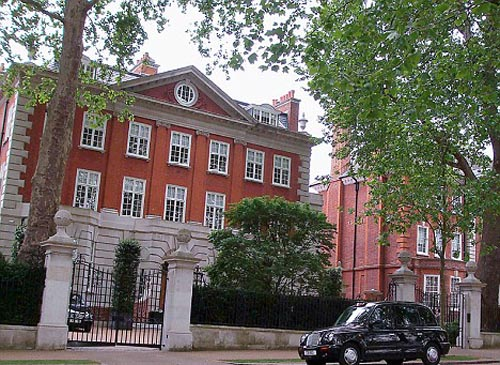The 117-million-pound house that Mittal has put up on sale for 110 million pounds
