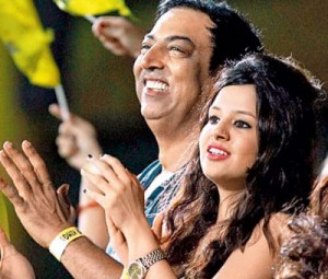 Vindoo seen with Indian cricket captain Mohinder Singh Dhoni's wife Sakshi in a Chennai IPL match