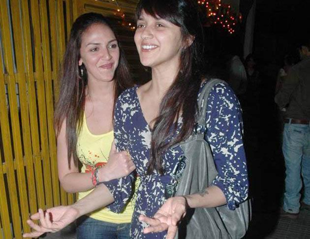 Ahana with sister Esha
