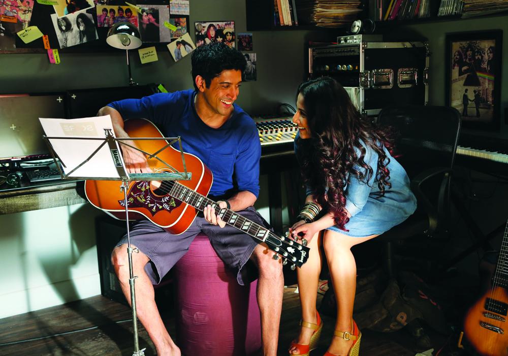 Farhan Akhtar and Vidya in Shaadi Ke Side Effects