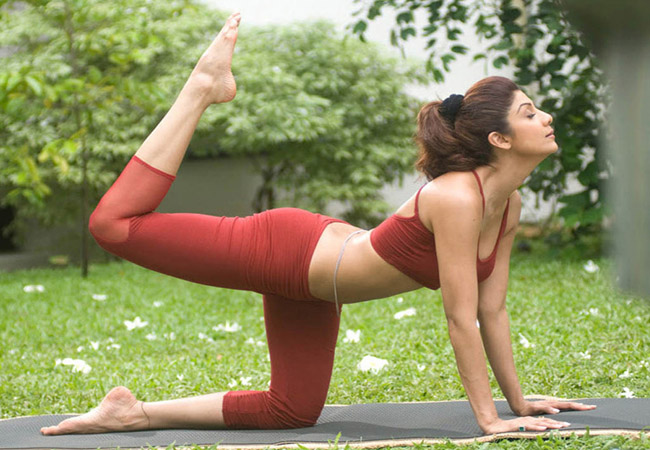 Shilpa-Shetty doing yoga