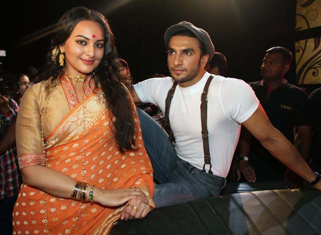 Sonakshi Sinha and Ranveer Singh on the sets of Lootera