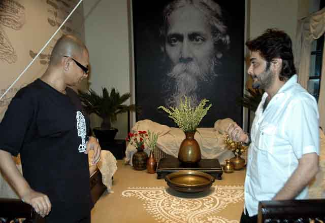 The late Rituparno Ghosh (left) with Prosenjit