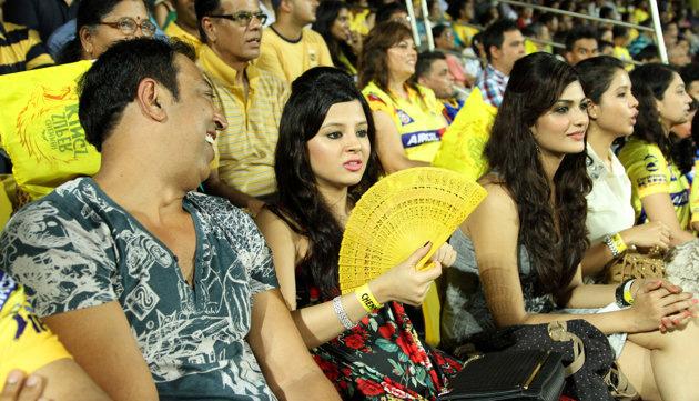 Vindu Dara Singh seen with Dhoni's wife Sakshi at an IPL match
