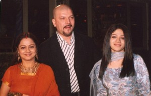 Zarina Wahab seen with husband Aditya Pancholi and daughter Sana