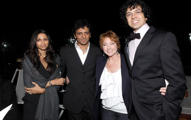 wife bhavna shyamalan and manoj night shyamalan with others