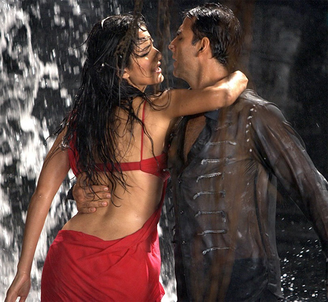 Katrina and Akshay in Gale Lag Ja