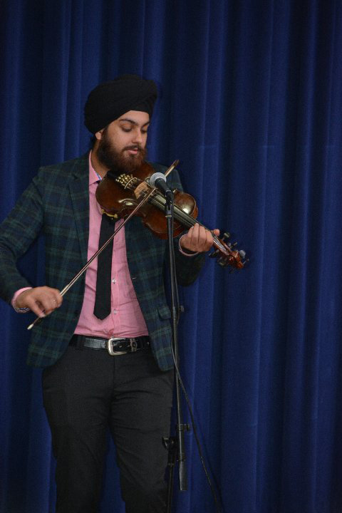 "Rajinder ""Violinder"" Singh Momi performing at the White House event."