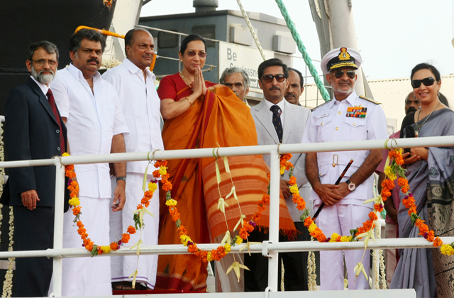 INDIAÕS FIRST INDIGENOUS AIRCRAFT CARRIER (IAC) LAUNCHED