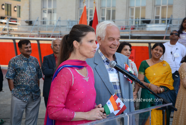 `Mainy badi khushi hai ke main....,'' Kirsty Duncan greets Indo-Canadians in her broken Hindi-Punjabi mix.