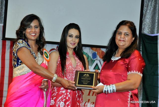 Minissha Lamba at FIA Chicago India Day function