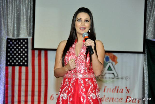 Minissha Lamba at FIA Chicago India I-Day celebrations
