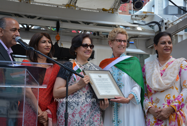 Premier Kathleen Wynne's token of gesture for Consul General Preeti Saran.