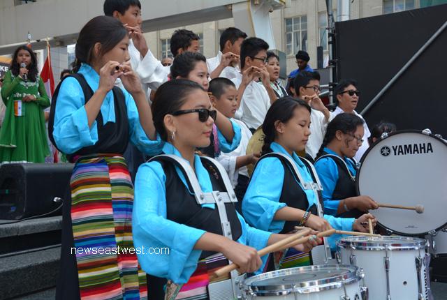 Tibetan performers.