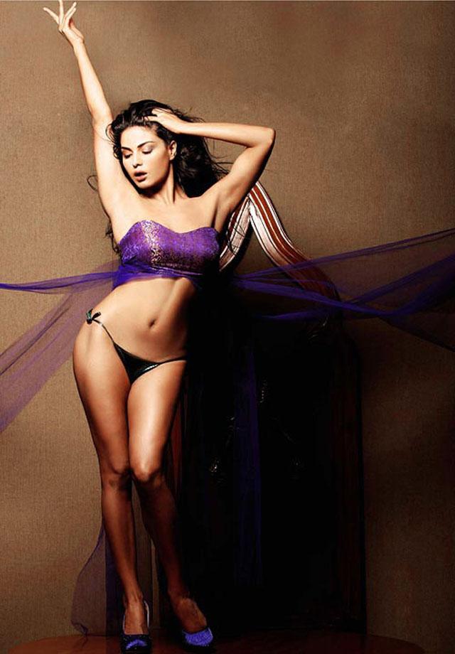 Veena Malik: Bikini babe