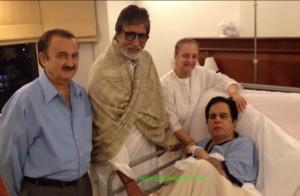 Amitabh Bachchan with Dilip Kumar in hospital