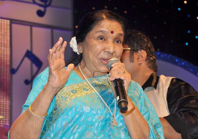 Bizarre coincidence: Asha Bhosle loses daughter and son on dates that add up to 8