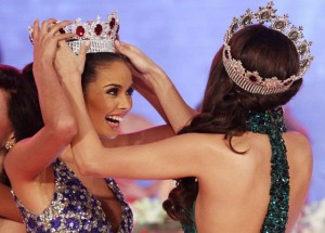 Miss World Megan Young gets her crown