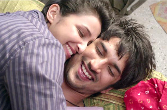 Parineeti Chopra and Sushant Singh Rajput in Shuddh Desi Romance
