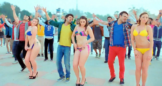 Aftab, Riteish and Vivek in Grand Masti.
