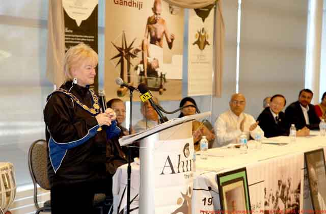 Mayor Susan Fennell,Akhilesh Mishra  (Indian Consul General), Jay Gajjar,Councillr Raymond Cho,Jaiff Lal