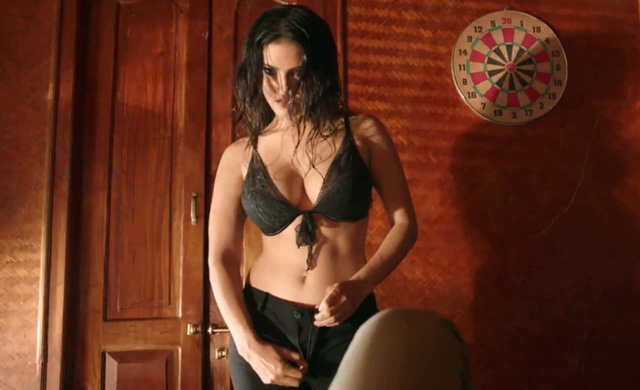Sunny Leone gets even bolder in Jackpot