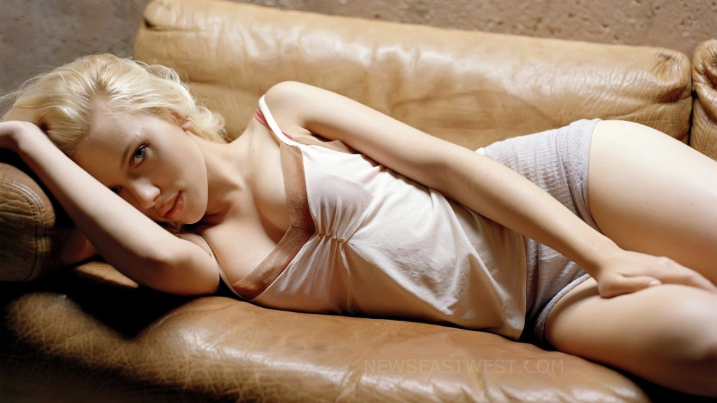 Scarlett named the `Sexiest Woman Alive'