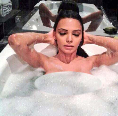 sherlyn chopra - bubble bath