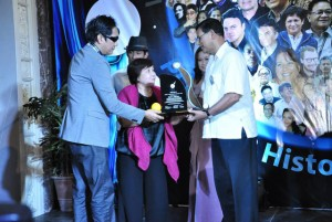 Ashok Bhargava honored in the Philippines2