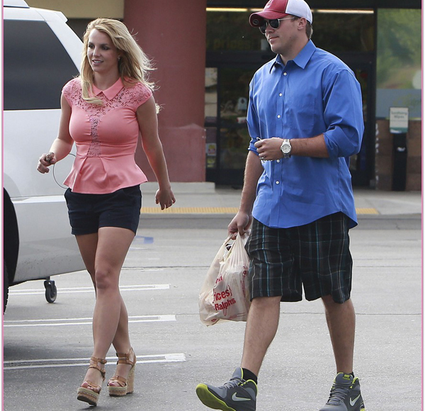 Britney Spears & David Lucado Stop By Ralph's For Some Groceries