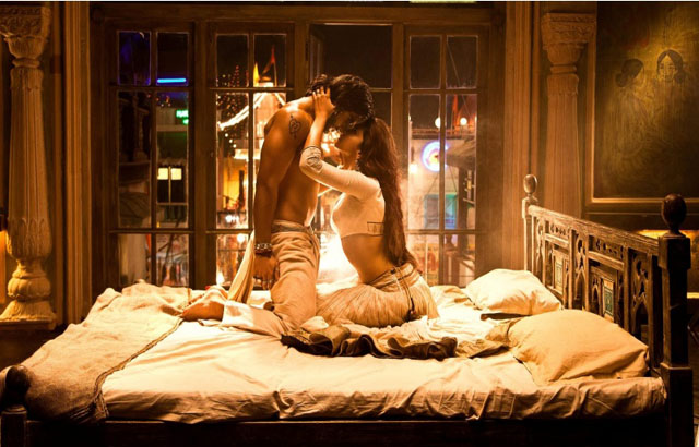 Ranveer, Deepika in a romantic scene