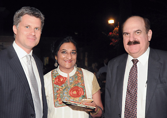 Rajani Alexander (middle)