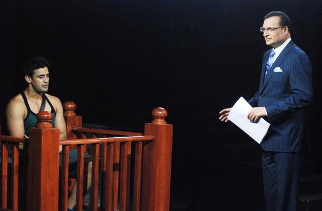 Rajat Sharma quizzing Sangram