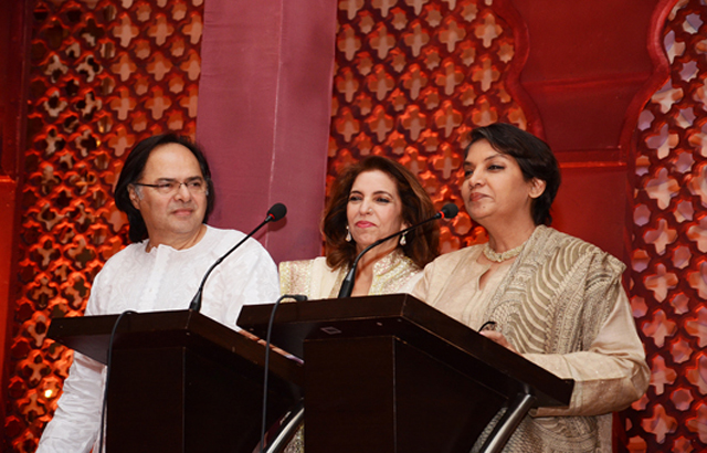 Shabana seen with Farooq Sheikh
