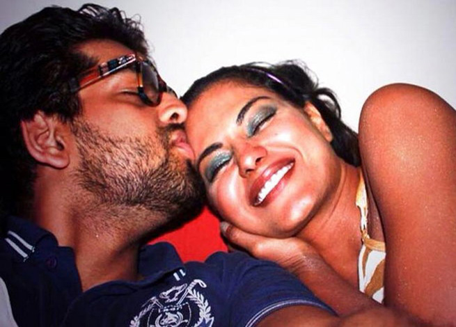 Veena Malik seen with Prashant who says she cheated him.