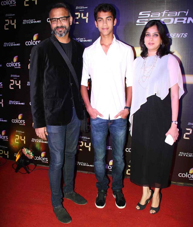 Abhinay Deo with family