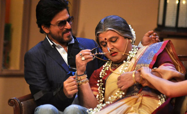 Ali Asgar with Shahrukh on Comedy Nights