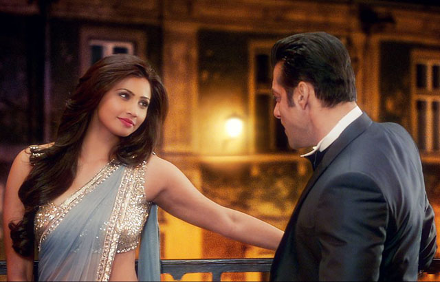 salman and daisy shah in jai ho
